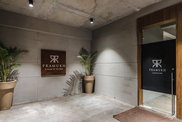 bureaux industriels pramukh real estate